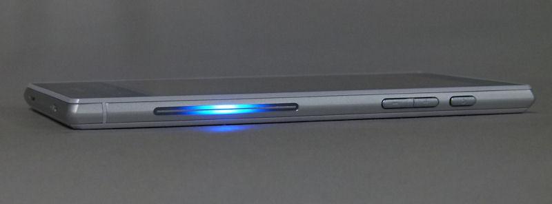Смартфон SHARP DoCoMo AQUOS ZETA SH-03G